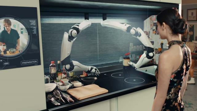Các bà nội trợ, các bạn nghĩ gì về robot nấu ăn này?