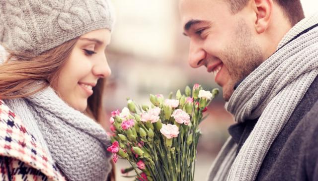 8 biểu hiện của một người đàn ông thực sự yêu thương bạn