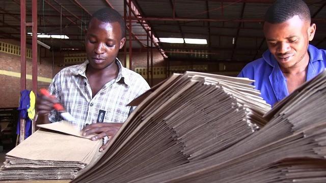 Rwanda - Quốc gia châu Phi cấm hoàn toàn túi nylon từ năm 2008