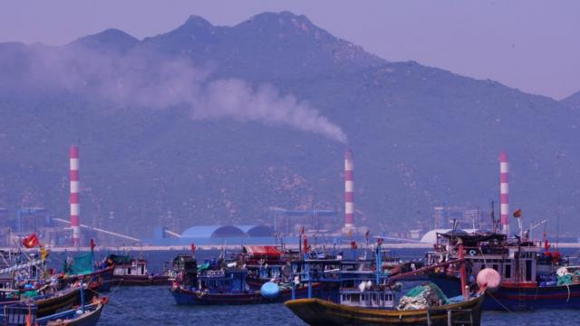 Phát triển nhiệt điện than: Việt Nam lựa chọn tương lai mịt mù tro bụi?