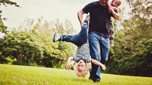 Pha cứu nguy của những ông bố tuyệt vời