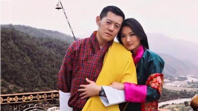 """Chuyện tình của Quốc vương Bhutan: """"Đợi em lớn, tôi sẽ cưới em"""""""
