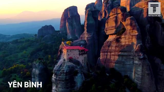 Hy Lạp: Tu viện uy nghi trên bầu trời