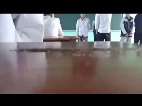 Bắc Giang - Thầy giáo tát, đá học sinh