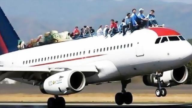 Phải làm gì với tình trạng 'overbook' của các hãng hàng không?