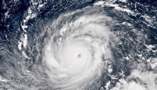 Siêu bão Mangkhut và lời nhắc nhở loài người!
