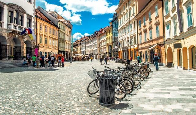 Thủ đô của Slovenia và 15 năm để thoát cảnh mang rác đi chôn