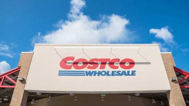 """Triết lý kinh doanh vị tha của chuỗi siêu thị """"nhà kho"""" Costco"""