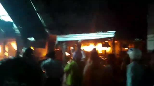 Cháy chợ Mộc Bài - quay trực tiếp