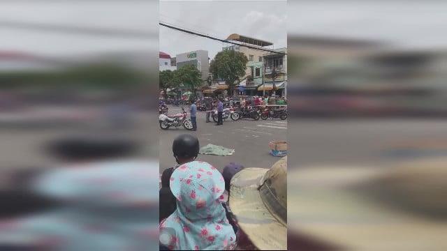 Rạch Giá: Bao tải có thi thể trẻ sơ sinh bị rơi xuống đường