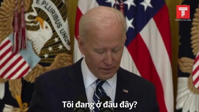 """Những khoảnh khắc """"bối rối"""" của ông Biden trong buổi họp báo đầu tiên"""
