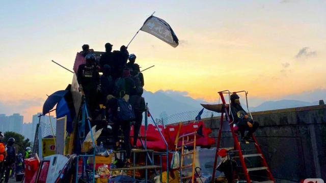 Cập nhật ngày 15/11: Chiến trường tại ĐH Trung văn Hồng Kông