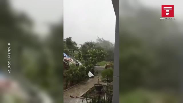 Tôn bay ở Quảng Ngãi_ bão số 9